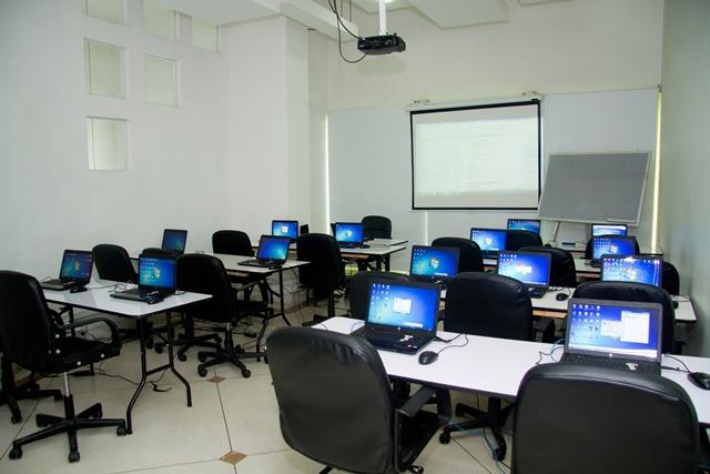 Alquiler Salas Y Equipos Campus Aula Virtual Cali